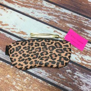 🌸Betsey Johnson Cheetah Print Eye Wear Case/Bag